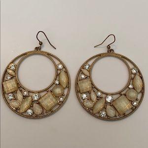 3/18$ Gold Jeweled Earrings♥️